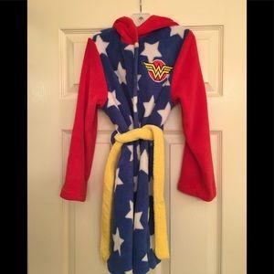 Other - Wonder Woman girls robe